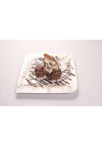3. Profiteroles de nata y chocolate